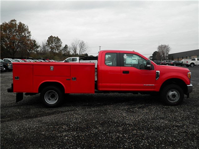 2017 F-350 Super Cab DRW 4x4, Reading Classic II Steel Service Body #CR2222 - photo 3