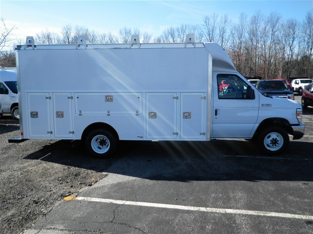 2017 E-450, Service Utility Van #CR2333 - photo 4