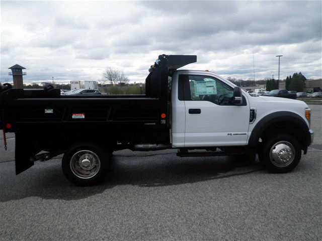 2017 F-550 Regular Cab DRW 4x4,  Reading Dump Body #CR2546 - photo 3