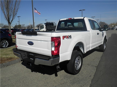 2018 F-250 Super Cab 4x4, Pickup #CR2629 - photo 2