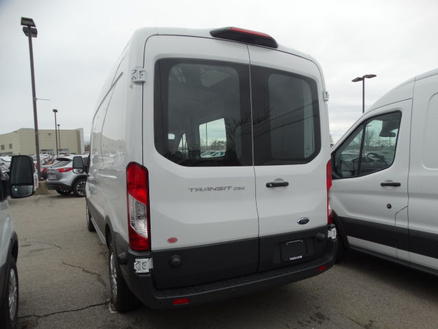 2018 Transit 250 Med Roof,  Empty Cargo Van #CR2823 - photo 5
