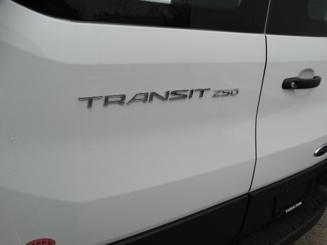 2018 Transit 250 Med Roof,  Empty Cargo Van #CR2823 - photo 6