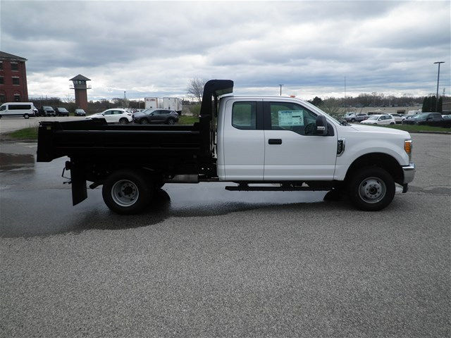 2017 F-350 Super Cab DRW 4x4, Dump Body #CR2940 - photo 3