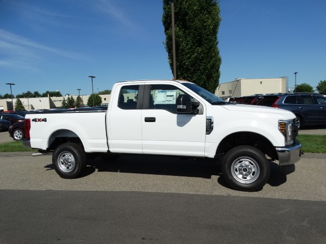 2018 F-250 Super Cab 4x4,  Pickup #CR3566 - photo 3