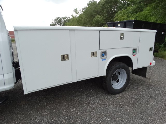 2018 F-450 Super Cab DRW 4x4,  Reading Service Body #CR3936 - photo 2