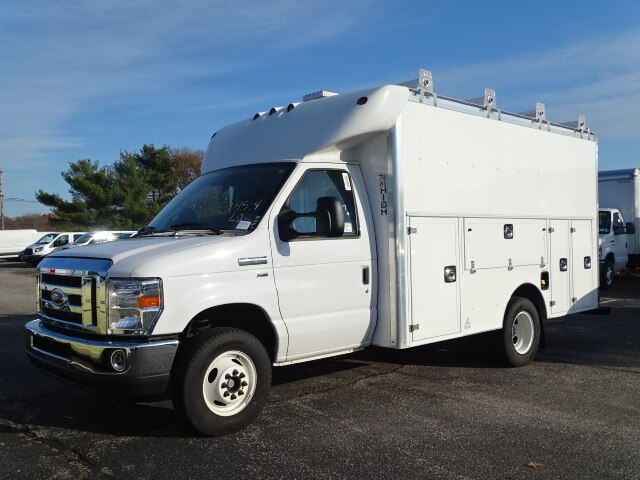 2018 E-350 4x2,  Supreme Cutaway Van #CR3944 - photo 2