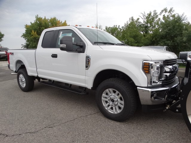 2018 F-350 Super Cab 4x4,  Fisher Pickup #CR3968 - photo 3