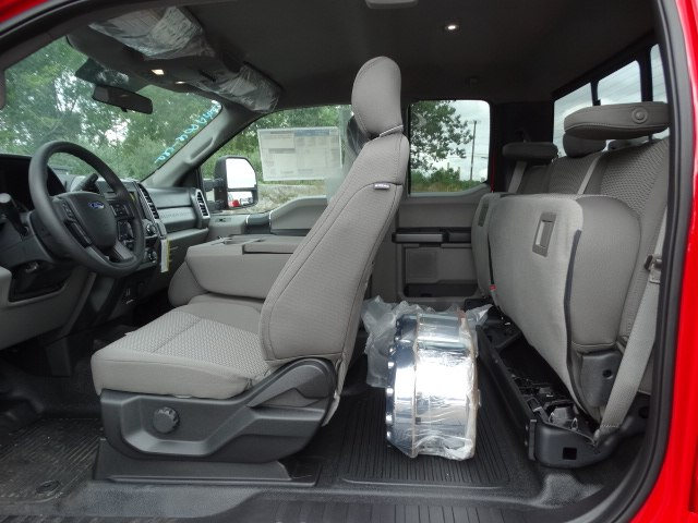 2018 F-450 Super Cab DRW 4x4,  Reading Service Body #CR4039 - photo 6