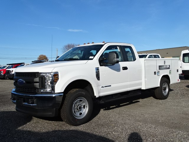 2019 F-350 Super Cab 4x4,  Reading Service Body #CR4605 - photo 4