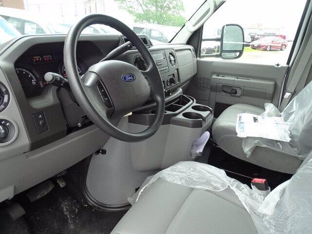 2019 Ford E-350 RWD, Rockport Cutaway Van #CR5363 - photo 4