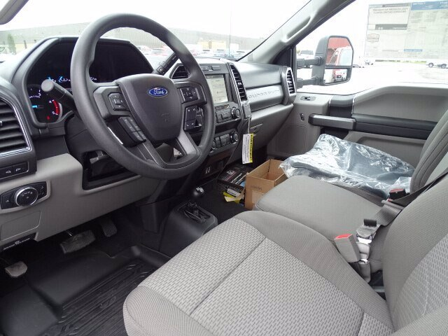 2019 F-550 Regular Cab DRW 4x4, Dejana DuraBox Dry Freight #CR6488 - photo 4