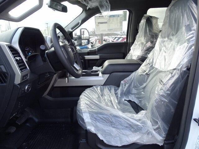 2020 Ford F-450 Crew Cab DRW 4x4, Duramag Platform Body #CR6710 - photo 3