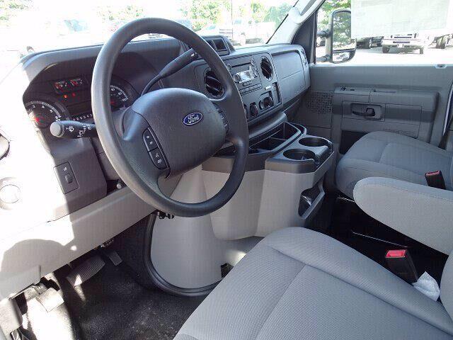2019 Ford E-350 RWD, Dejana DuraCube Cutaway Van #CR7088 - photo 4