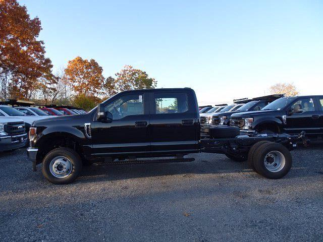 2020 Ford F-350 Crew Cab DRW 4x4, Cab Chassis #CR7517 - photo 1
