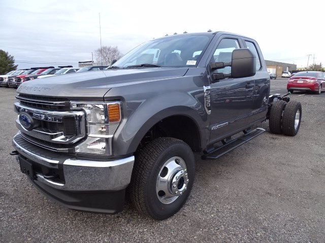 2021 Ford F-350 Super Cab DRW 4x4, Cab Chassis #CR7831 - photo 1