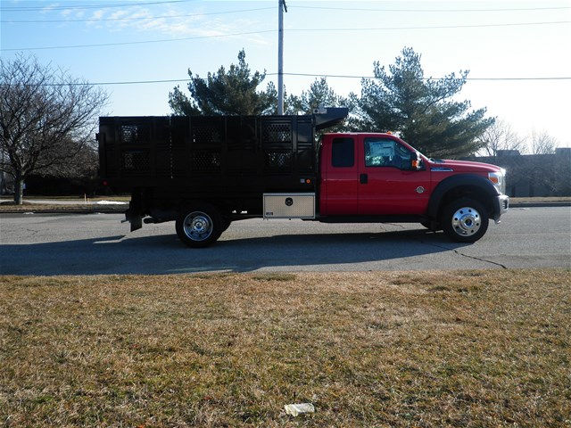 2016 F-550 Super Cab DRW 4x4, Reading Stake Bed #CR9599 - photo 3