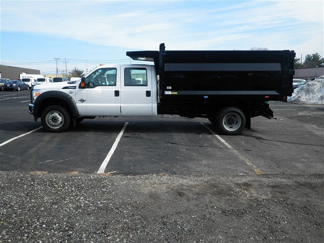 2016 F-550 Crew Cab DRW 4x4, Rugby Landscape Dump #CR9840 - photo 2