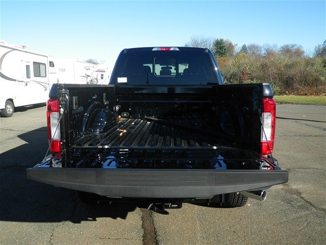 2017 F-250 Crew Cab 4x4 Pickup #G3600 - photo 4