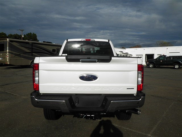 2017 F-250 Crew Cab 4x4, Pickup #G4266 - photo 6