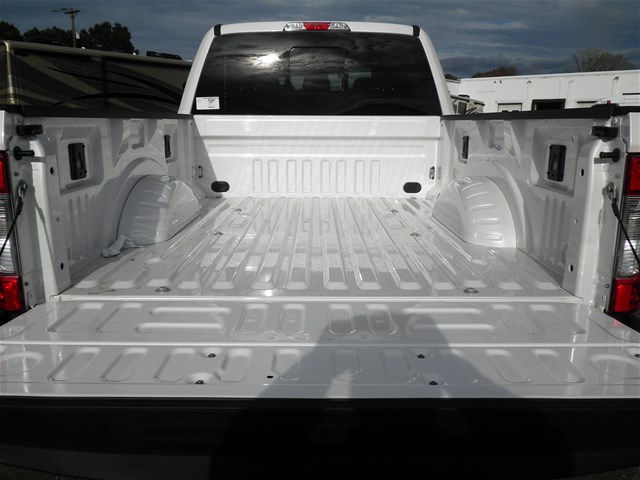 2017 F-250 Crew Cab 4x4, Pickup #G4266 - photo 8