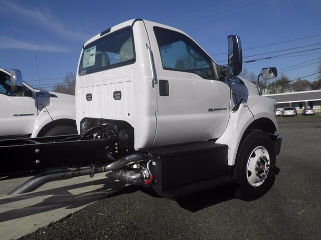 2021 Ford F-750 Regular Cab DRW 4x2, Cab Chassis #G7108 - photo 2
