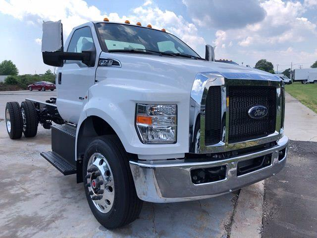 2022 Ford F-750 Regular Cab DRW 4x2, Cab Chassis #G7512 - photo 1