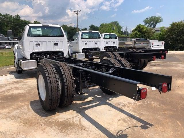 2022 Ford F-750 Regular Cab DRW 4x2, Cab Chassis #G7621 - photo 1