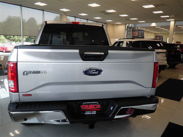 2017 F-150 Crew Cab 4x4, Pickup #GCR1515 - photo 6
