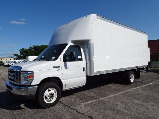 2019 Ford E-350 RWD, Rockport Cutaway Van #GCR5882 - photo 1