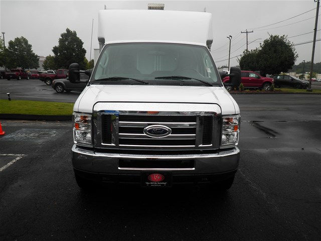 2016 E-350, Supreme Service Utility Van #GCR9021 - photo 3
