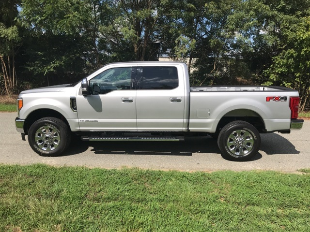 2017 F-250 Crew Cab 4x4, Pickup #178089 - photo 9