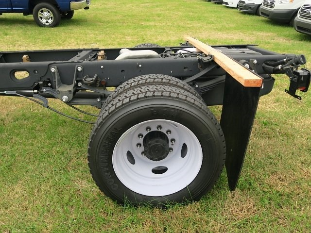 2017 F-550 Regular Cab DRW 4x2,  Cab Chassis #178592 - photo 11