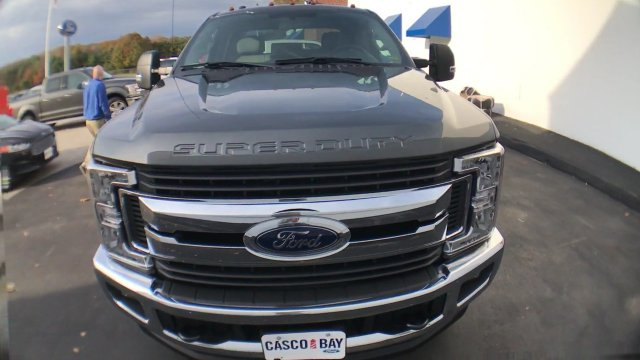2017 F-250 Crew Cab 4x4 Pickup #H1085 - photo 4
