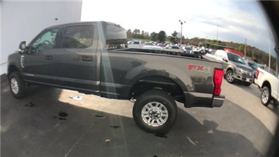 2017 F-250 Crew Cab 4x4 Pickup #H1085 - photo 7