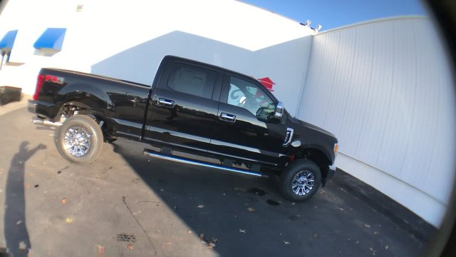 2017 F-350 Crew Cab 4x4 Pickup #H1148 - photo 9