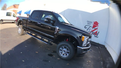 2017 F-350 Crew Cab 4x4 Pickup #H1148 - photo 3