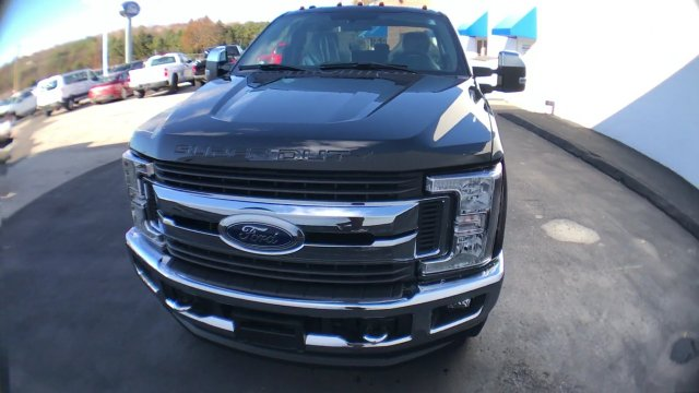 2017 F-350 Crew Cab 4x4, Pickup #H1160 - photo 4