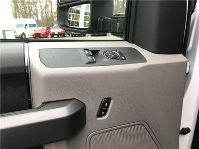 2017 F-250 Regular Cab 4x4, Pickup #H1190 - photo 10