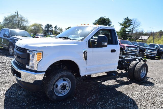2017 F-350 Regular Cab DRW 4x4, Cab Chassis #H568 - photo 4