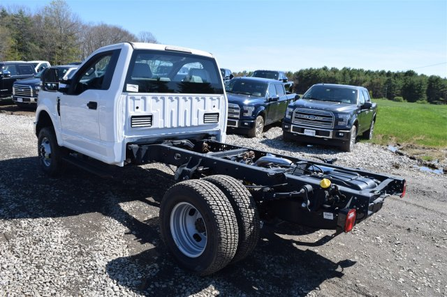 2017 F-350 Regular Cab DRW 4x4, Cab Chassis #H568 - photo 6