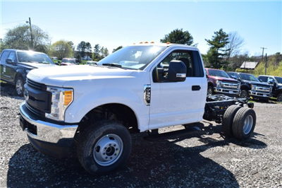2017 F-350 Regular Cab DRW 4x4 Cab Chassis #H568 - photo 4