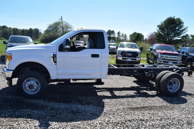 2017 F-350 Regular Cab DRW 4x4, Cab Chassis #H569 - photo 5