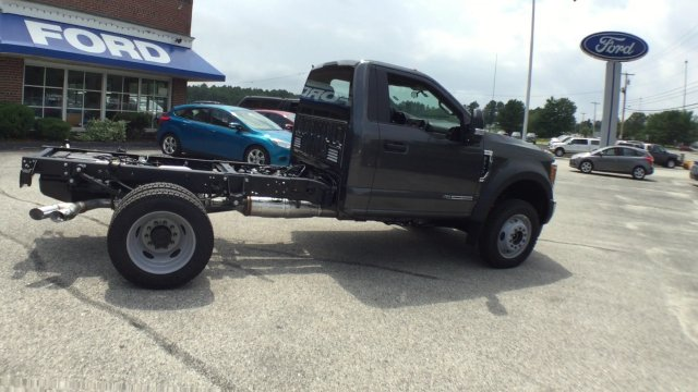 2017 F-550 Regular Cab DRW 4x4, Cab Chassis #H854 - photo 3