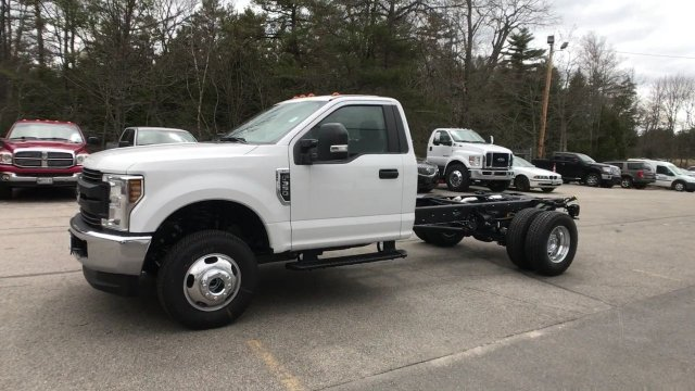 2018 F-350 Regular Cab DRW 4x4, Cab Chassis #J512 - photo 14
