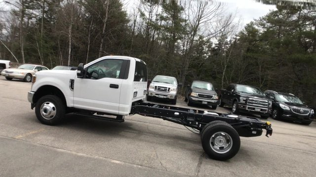2018 F-350 Regular Cab DRW 4x4, Cab Chassis #J512 - photo 15