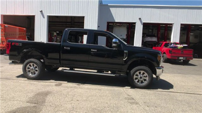 2018 F-250 Crew Cab 4x4,  Pickup #J614 - photo 18