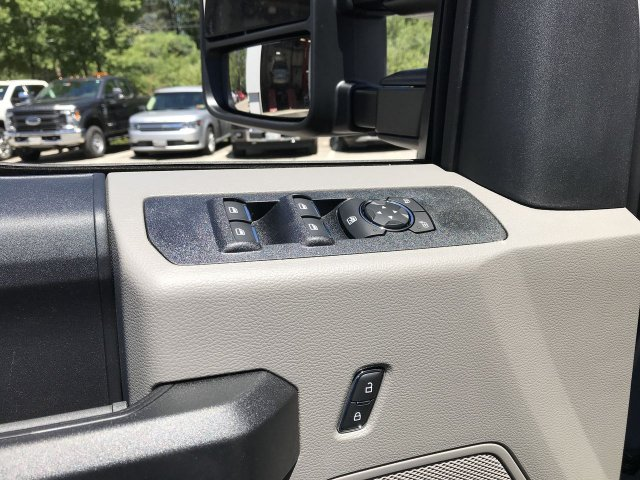 2018 F-350 Crew Cab 4x4,  Pickup #J718 - photo 5