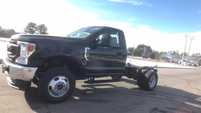2021 Ford F-350 Regular Cab DRW 4x4, Cab Chassis #M052 - photo 12