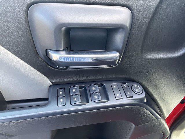 2018 Chevrolet Silverado 1500 Crew Cab 4x4, Pickup #M290A - photo 6