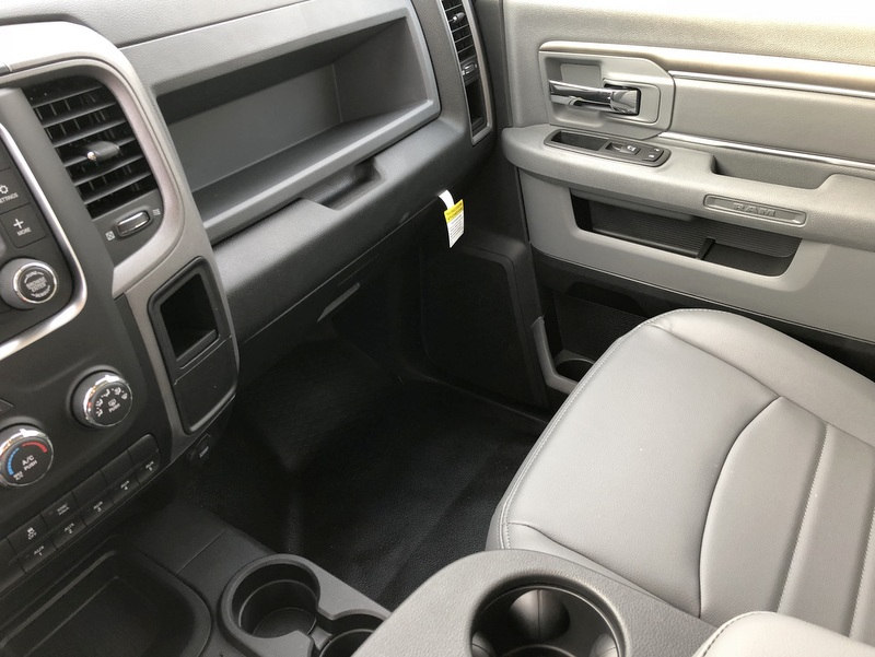 2017 Ram 3500 Regular Cab DRW 4x4 Dump Body #T17262 - photo 14